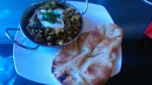 tinkerdash chickpea and spinach curry with naan bread bbc good food recipe